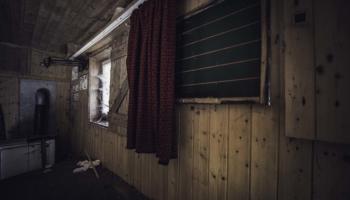 Die Hütte im Wald-16